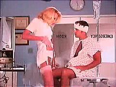 टैग: नर्स, उंगली.