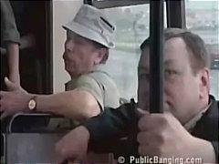 Žymės: brunetės, autobuse.