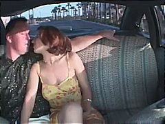 علامات: زوجان, خارج المنزل, وضعية الكلب, في السيارة.