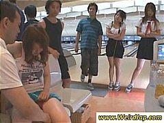 Oznake: tinejdžeri, tinejdžeri, japanski, pod ženskom suknjom.