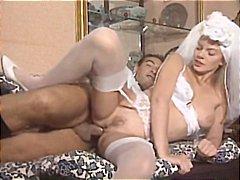 Тагови: порно ѕвезда, големи цицки, италианско.