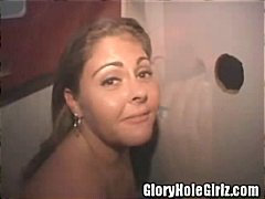Tag: gloryhole, in carne, latine, sesso orale.