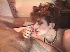 Tags: pornozvaigznes, veco laiku, orālais sekss.