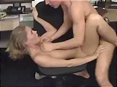 Žymės: biure, vokietės, paaugliai, oralinis seksas.