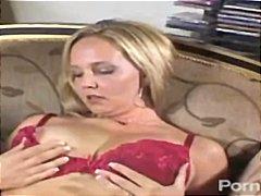टैग: बड़े स्तन, सुनहरे बाल वाली, मूठ मारना.