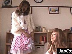 Tags: apakšveļa, japāņi, veci transvestīti, biseksuāli.
