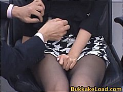 Žymės: grupinis prievartavimas, grupinė ejakuliacija, oralinis seksas, spermos šaudymas.