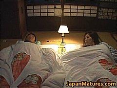 Tags: tīņi, japāņi, pusmūža sievietes, lieli pupi.