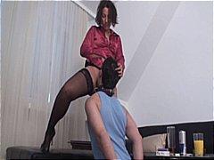 Тагове: женска доминация, близане.