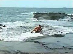 टैग: किशोरी, गहरी चुदाई, समुद्र तट.