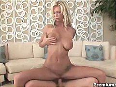 टैग: भयंकर चुदाई, बड़े स्तन.