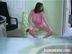 Žymės: striptizas, didžiakrūtės, dideli papai, šokiai.