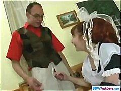 Žymės: putlios, dama, raudonplaukės, namų šeimininkės.