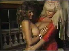 Ознаке: staromodni pornići, lezbejke.