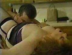 Тагове: бельо, старо порно, едри жени.