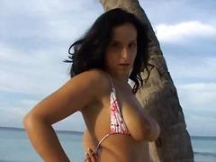 Tags: latina, amateur, große brüste, deutsch.
