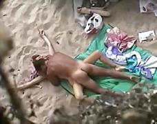 Oznake: na plaži, skrita kamera, amaterji.