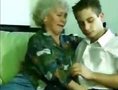 Tags: moden, bestemor, amatør.