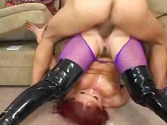 Oznake: analno, nogavice, rdečelaska, žensko spodnje perilo.