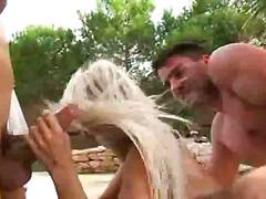 टैग: समुद्र तट, आकर्षक महिला, गुदामैथुन.