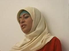 Tag: skodeng, pakaian strapon, orang arab.