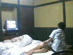 Žymės: azijietės, masažas, viešumoje, ekshibicionistas.
