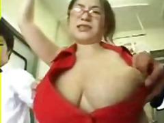 Žymės: krūtys, viešumoje, azijietės.