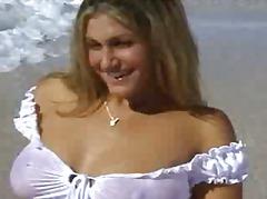 टैग: समुद्र तट, आकर्षक महिला.
