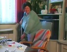 Tag: tetek, nenek, wanita gemuk.