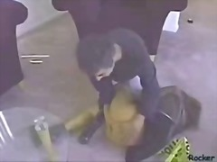 टैग: बंधक परपीड़न सेक्स, पिटाई करते हुए.