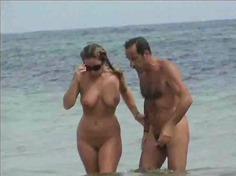 टैग: बड़े स्तन, अधेड़ औरत, समुद्र तट.
