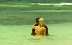 Tags: në plazh, bjondinat, zezake, ndër racore.
