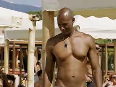 Žymės: juodaodžių porno, paplūdimyje, lengvas, brunetės.