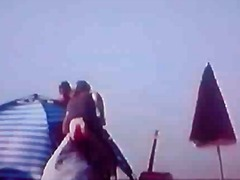 टैग: मजाकिया, प्रसिद्ध व्यक्ति, समुद्र तट.