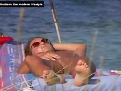Tags: slēptā kamera, publiskais sekss, pludmalē.