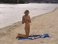 टैग: किशोरी, खुलेआम चुदाई, समुद्र तट.