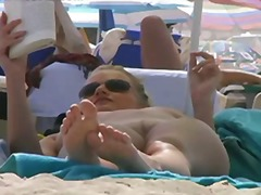 Žymės: paslėpta kamera, viešumoje, paplūdimyje.