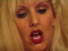 Žymės: oralinis seksas, dideli papai, sperma ant veido, moterų ejakuliacija.