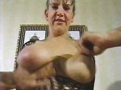 Mots clés: allemands, femmes mûres, gros seins.