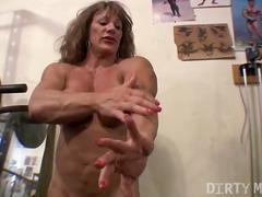 Sildid: hardcore, masturbeerimine, suured rinnad.