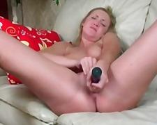 Žymės: masturbacija, sekso žaisliukai.