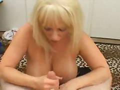 Žymės: porno dalyvių akimis, karštos mamytės, natūralūs papai, ji smauko.