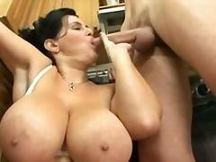 टैग: जर्मन, बड़े स्तन, बड़े स्तन, अधेड़ औरत.