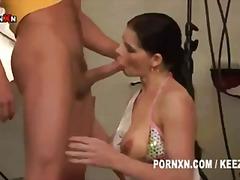 Ознаке: oralni seks, hardkor, brineta, obrijana.
