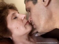Tags: orālā seksa, pusmūža sievietes, pirksti pežā, pāri.