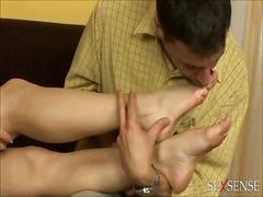Ознаке: lezbejke, fetiš na stopala, bradavice, igra.