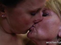 태그: 나이든여자, 하드코어, 할머니, 성적쾌감.