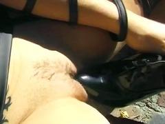 Žymės: lauke, dailios, masturbacija, kojinės.