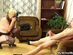 Tags: blonde, matanda, naylon, malupit.