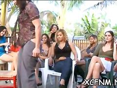 Žymės: nuogaliai su merginomis, vakarėlis, oralinis seksas.
